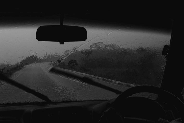 Windscreen wiper rain