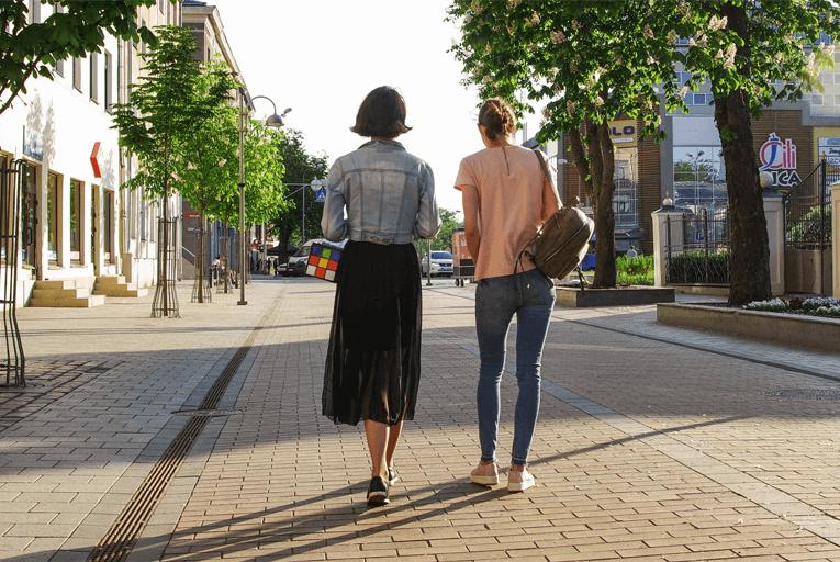 City walking commute